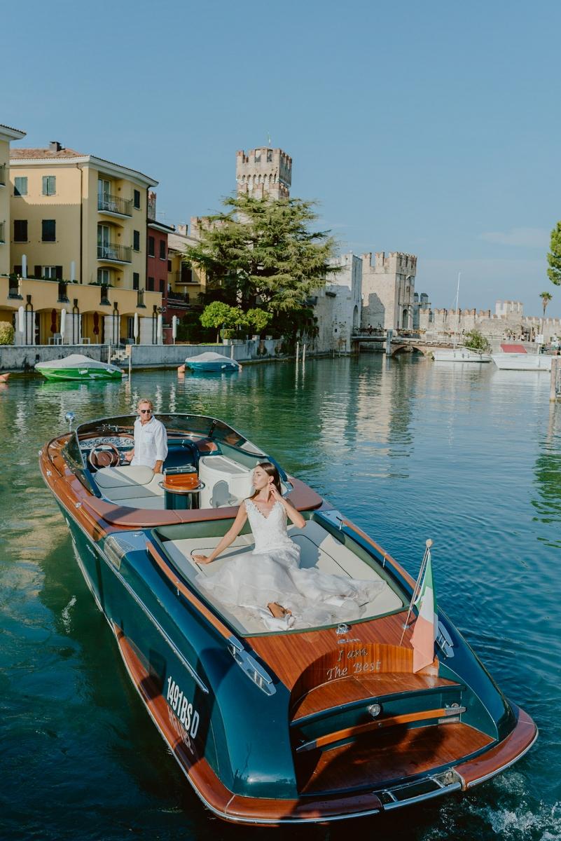 Riva boat bride sirmione lake garda